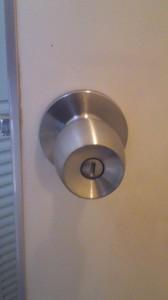 ドアノブ円筒錠8