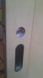 引き戸 鍵取り付け 3