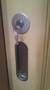 引き戸 鍵取り付け 7
